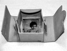María Garriga. Trabajo deTesis de Licenciatura en Artes del Fuego. 2006. IUNA.Fotocerámica sobre gres.